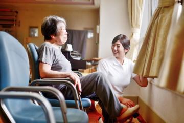 【介護スタッフ:パートさん】高時給 :介護福祉士1550円~・初...