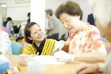 株式会社日本エルダリーケアサービス/デイホームゆりの木板橋/Z120 介護職