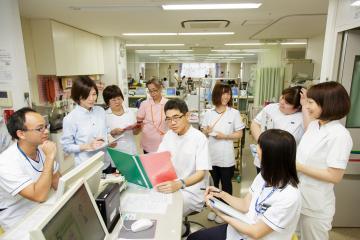 病棟介護および看護補助業務全般 もしくは入浴介助専従 【ケアスタッフ】